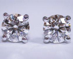 We_Buy_Pre-Owned_Tiffany_Diamond_Studs